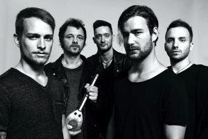 The Carbonfloors zenekar