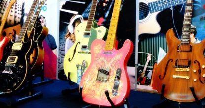 Gitárosok fala a Music Expón