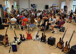 Gitármánia zenei tábor